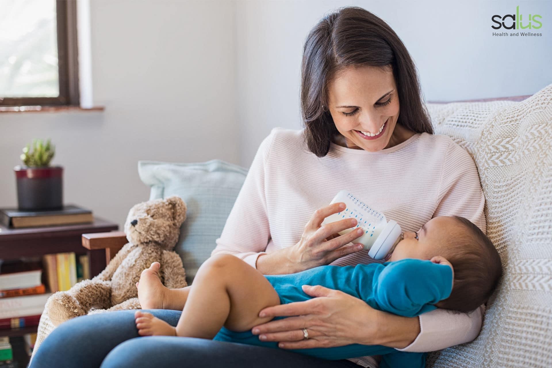 Salus-Blog-allattare-con-biberon-8-consigli