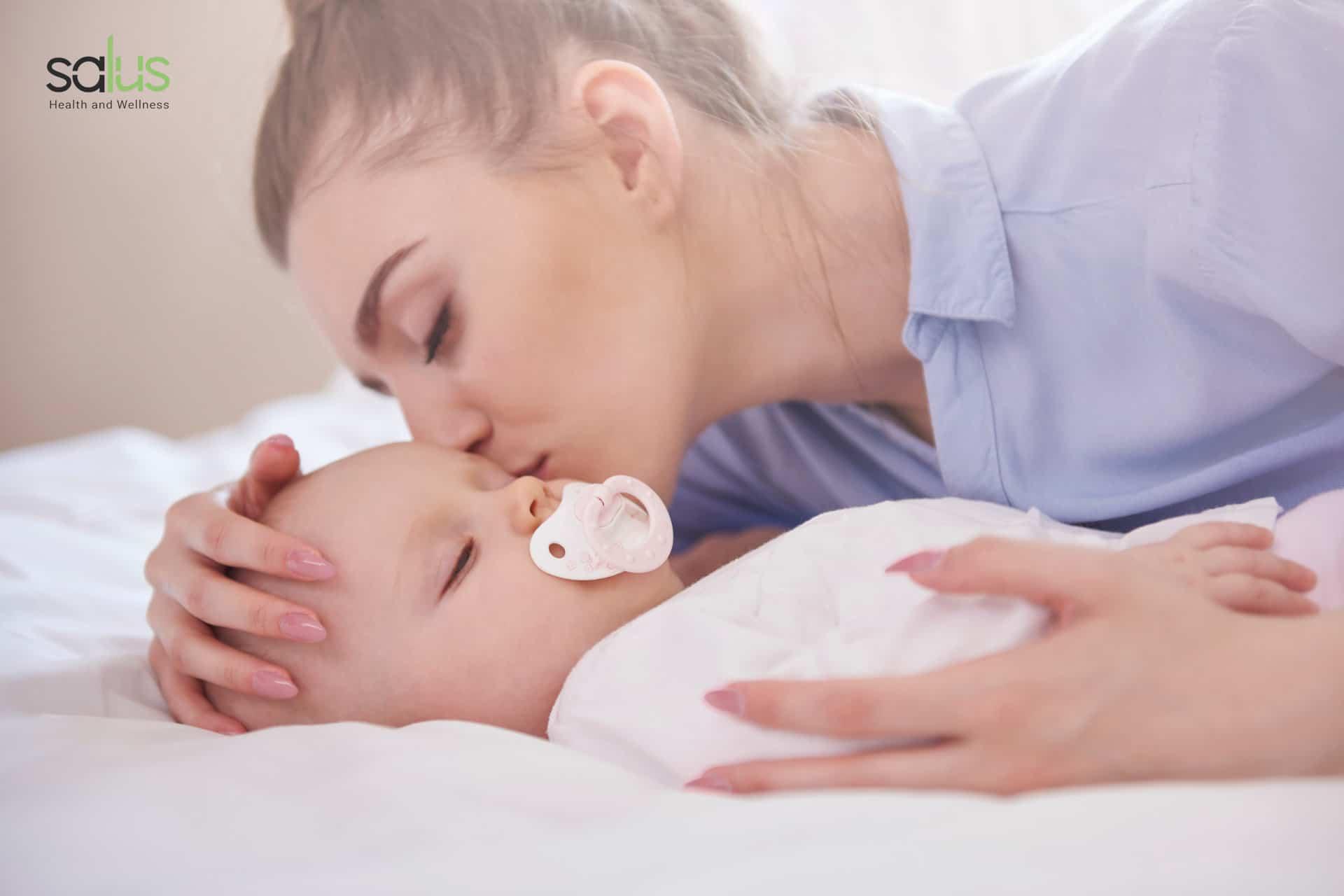 Salus Blog - Ciucciotto neonato quando darlo